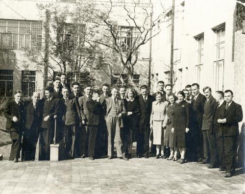 15-20 августа 1945 г. Сотрудники Посольства СССР в Японии. источник.Архив внешней политики РФ,